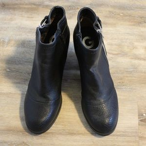 Womens G by Guess black boots